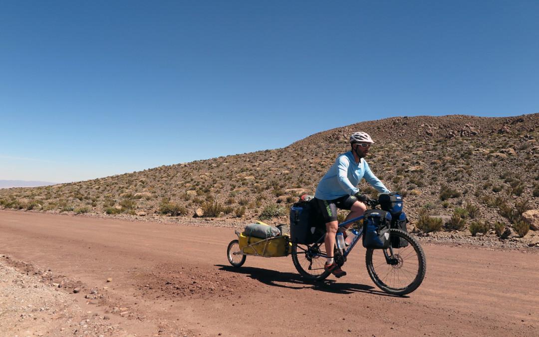 """""""Juan Sin Miedo"""": El español que cruzará el desierto de Atacama en bicicleta"""