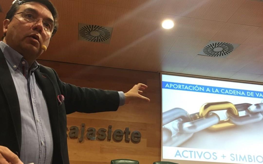 Profesionales de Tenerife descubren las claves del Patrocinio
